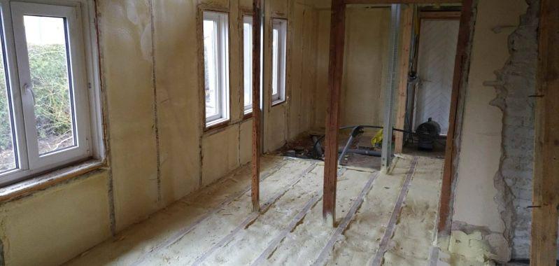 Põranda ja siseseinte soojustamine suletud pooridega PUR vahuga. Purest.ee