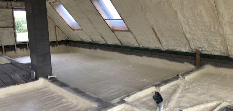 Katusealuse soojustamine avatud pooridega PUR vahuga, põranda soojustamine suletud pooridega PUR vahuga